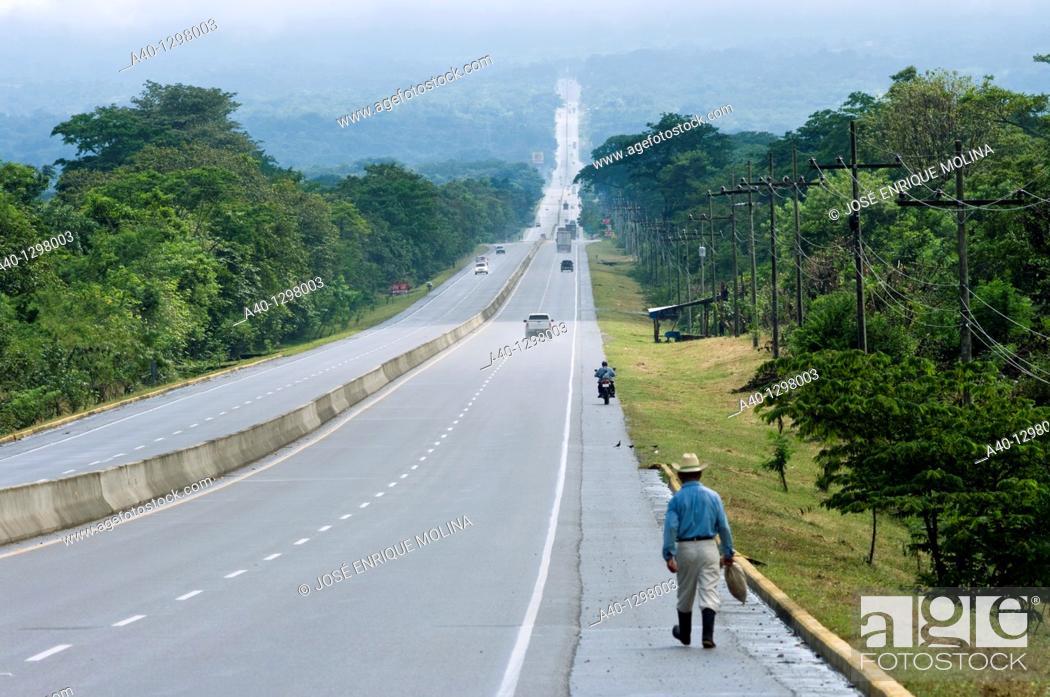 Stock Photo: Honduras.Departament of Comayagua. Main paved road.