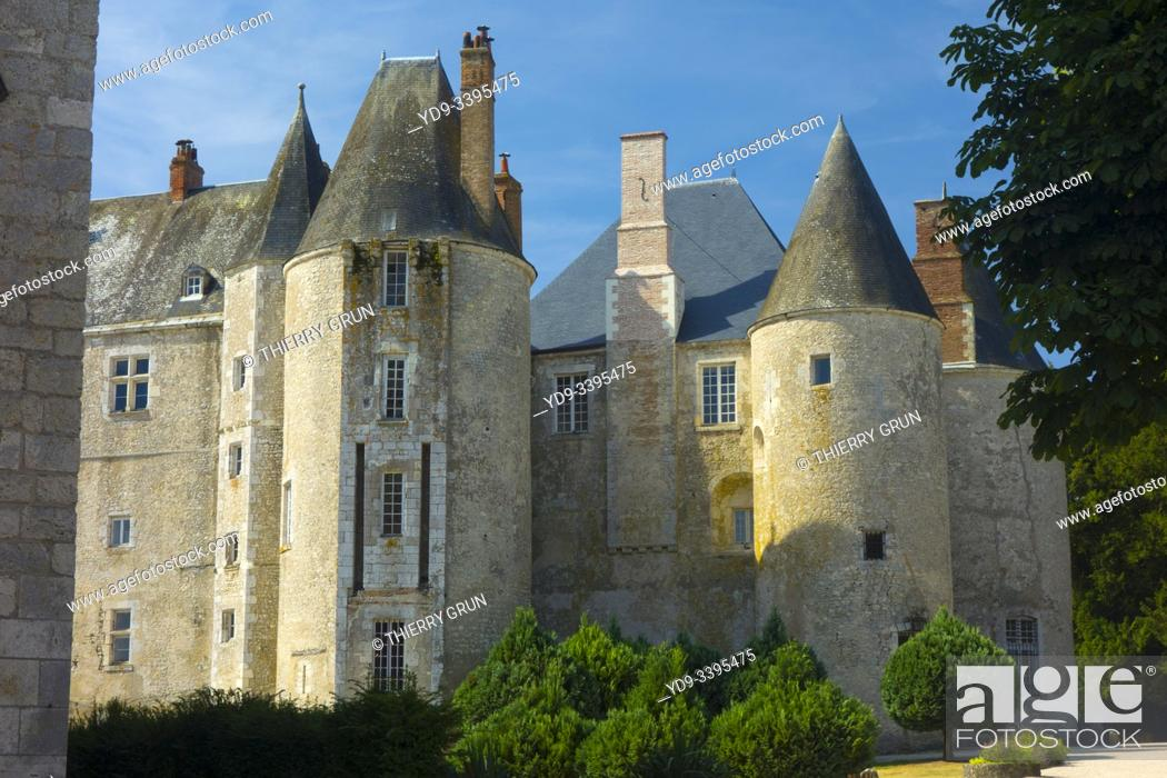 Stock Photo: France, Loiret (45), Meung-sur-Loire, castle.
