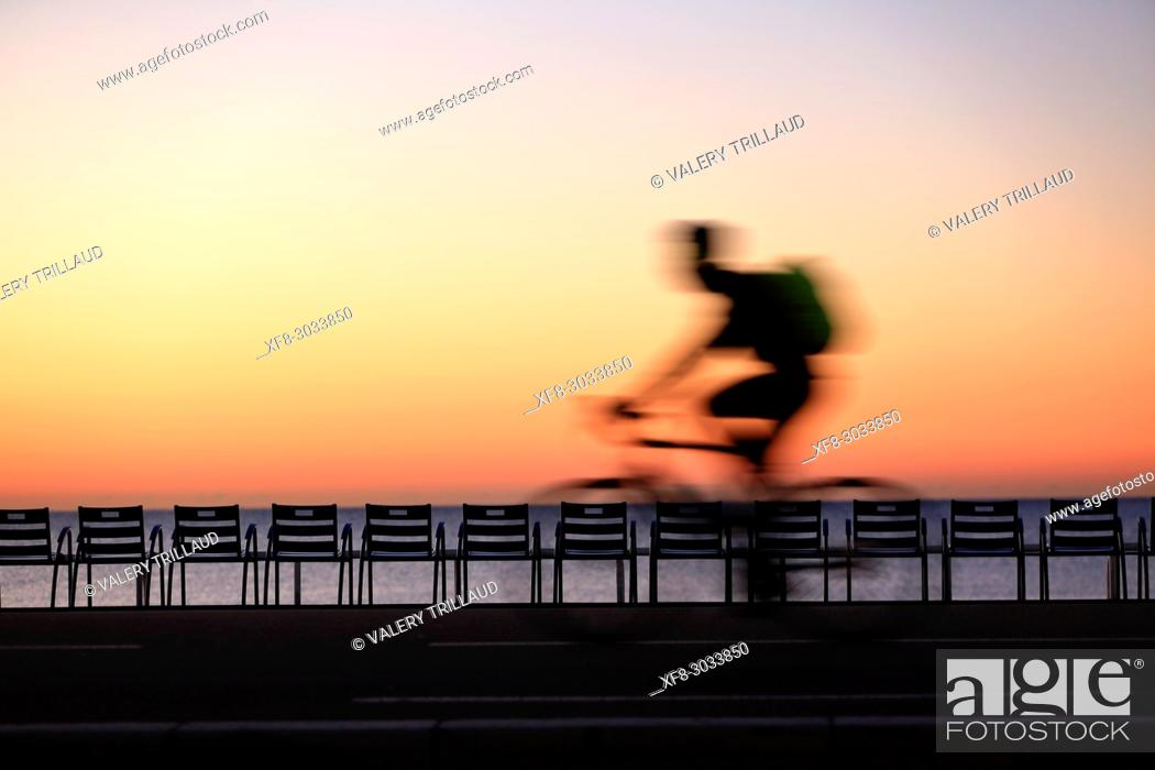 Stock Photo: Cyclist, Nice, Alpes Maritimes, French Riviera, France, Europe.