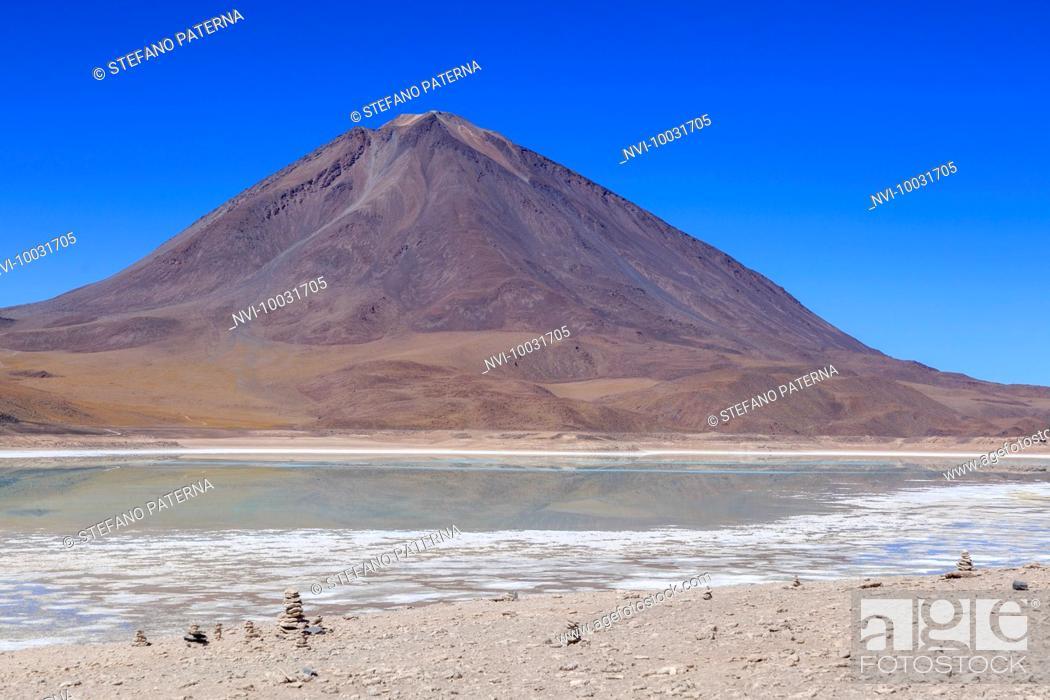 Stock Photo: Laguna Verde and Licancabur Volcano, Altiplano, Bolivia, South America.