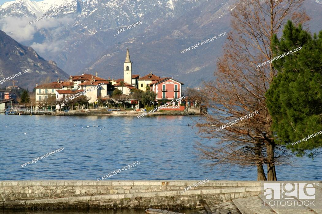 Stock Photo: The fishermen island, Lake Maggiore, Italy.