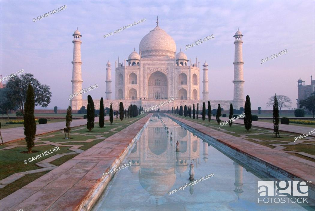 Stock Photo: The Taj Mahal, UNESCO World Heritage Site, Agra, Uttar Pradesh state, India, Asia.