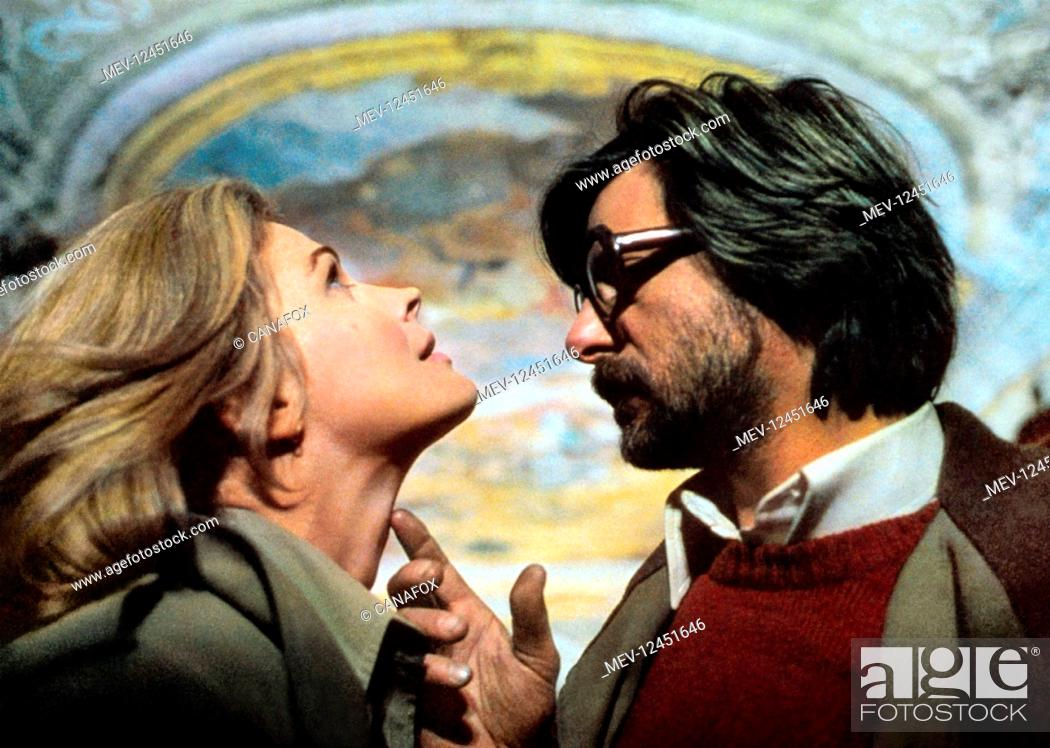Stock Photo: Candice Bergen & Giancarlo Giannini Characters: Lizzy, Paolo Film: A Night Full Of Rain (1978) Director: Lina Wertmuller 29 January 1978.