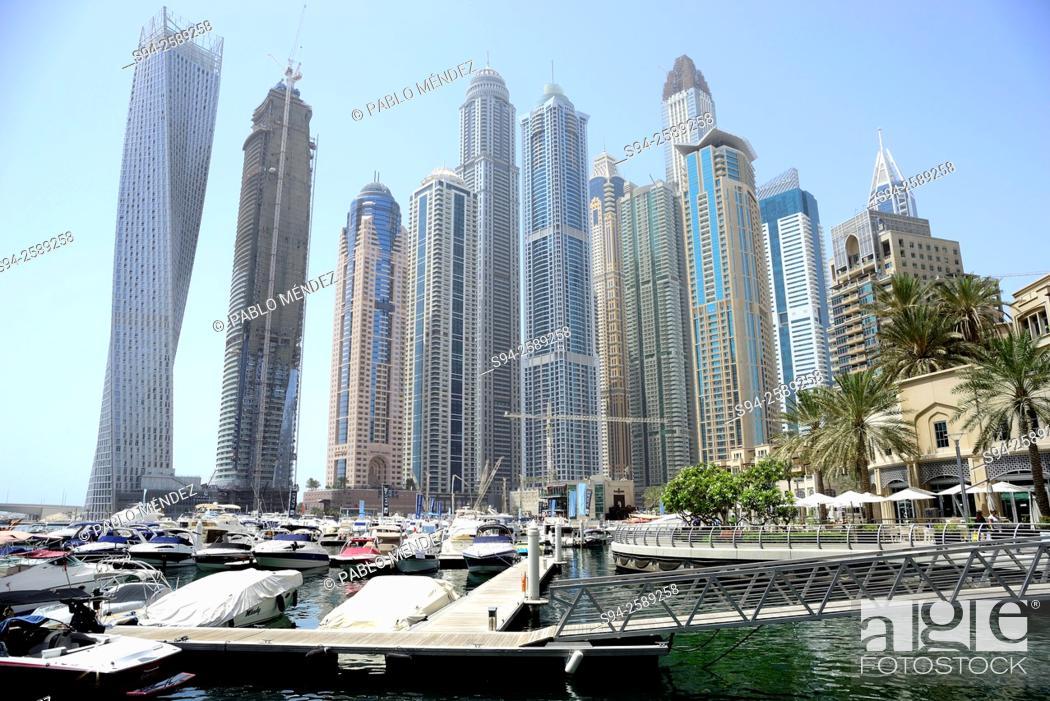 Photo de stock: Dubai Marina skyscrapers in Dubai, United Arab Emirates.