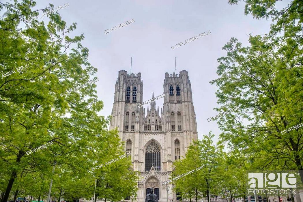 Photo de stock: St. Michael and St. Gudula in Brussels, Belgium.