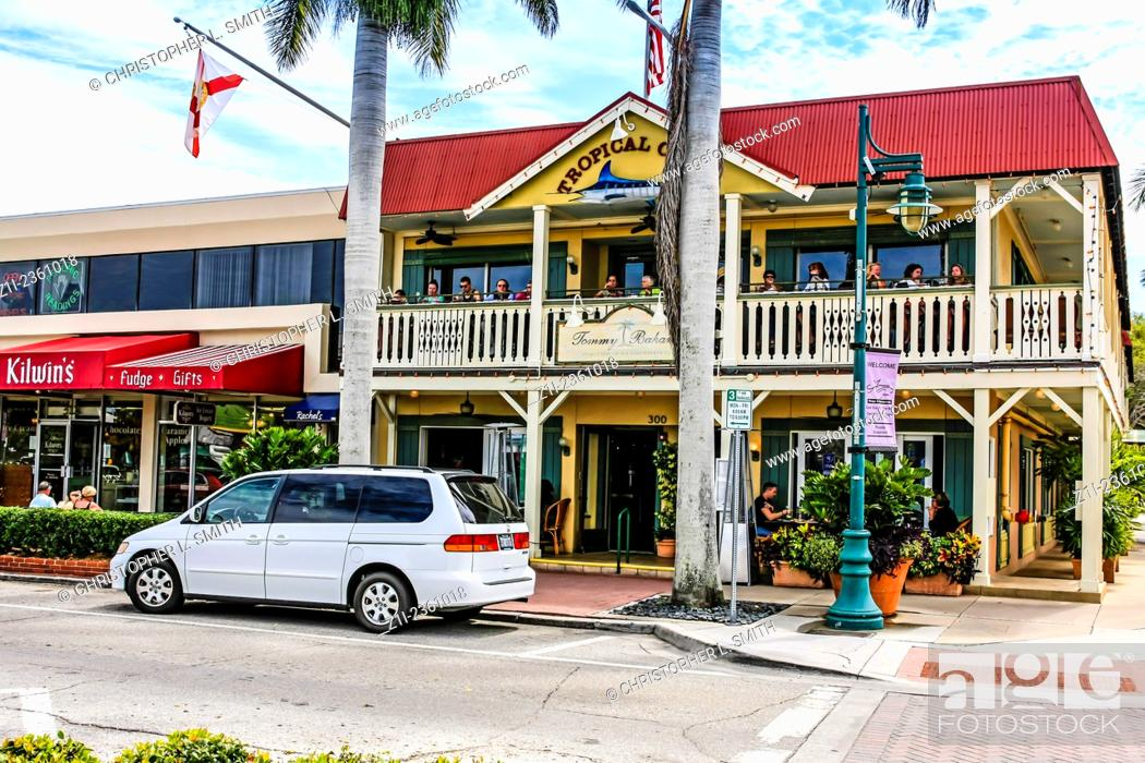 Stock Photo S And Restaurants On St Armands Circle Island Fl