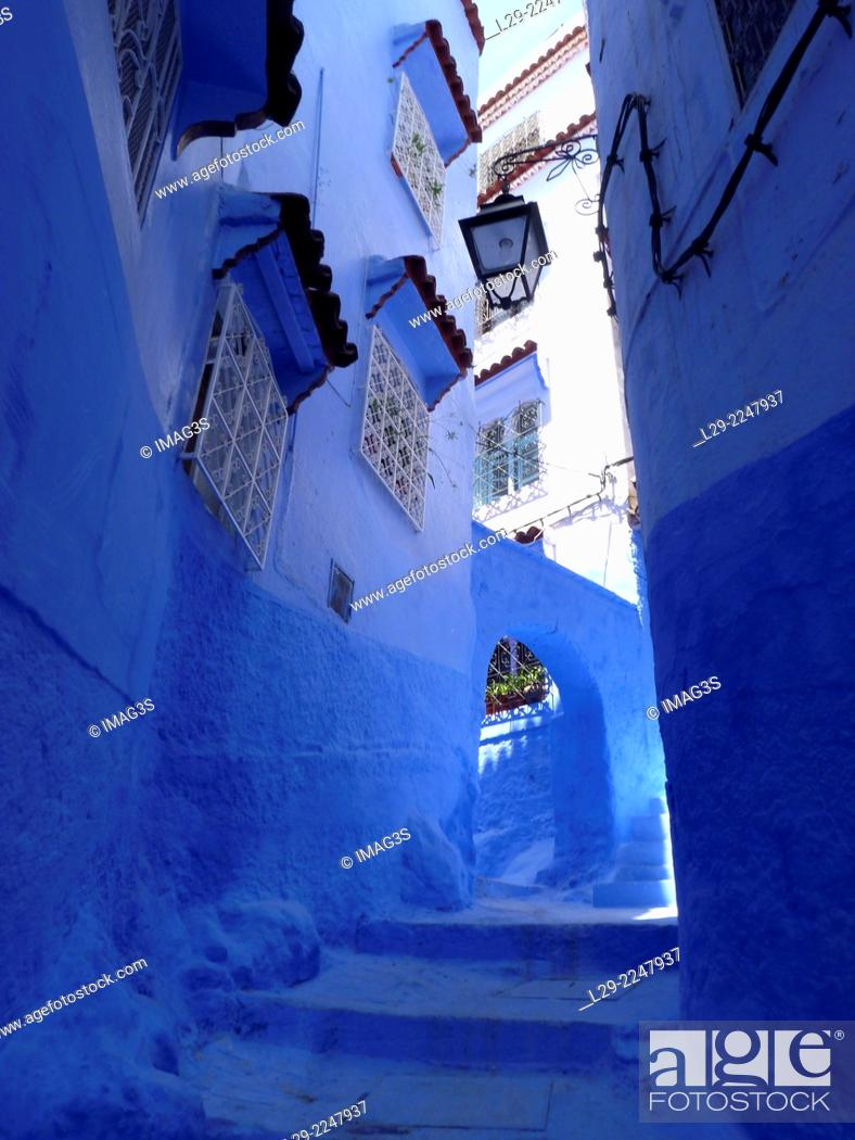 Imagen: Houses in the blue medina of Chefchaouen. Rif region, Morocco.