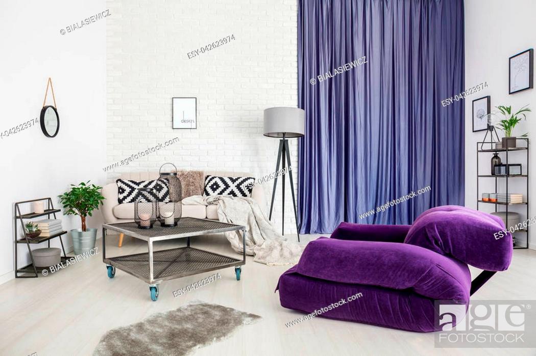 grey rug in modern living room