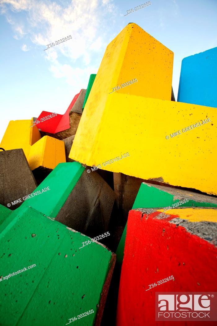 Imagen: Colourful breakwater, Coffs Harbour, NSW, Australia.