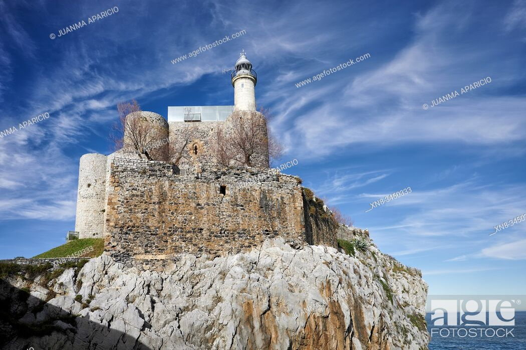 Stock Photo: Lighthouse, Castro Urdiales, Cantabria, Spain, Europe.