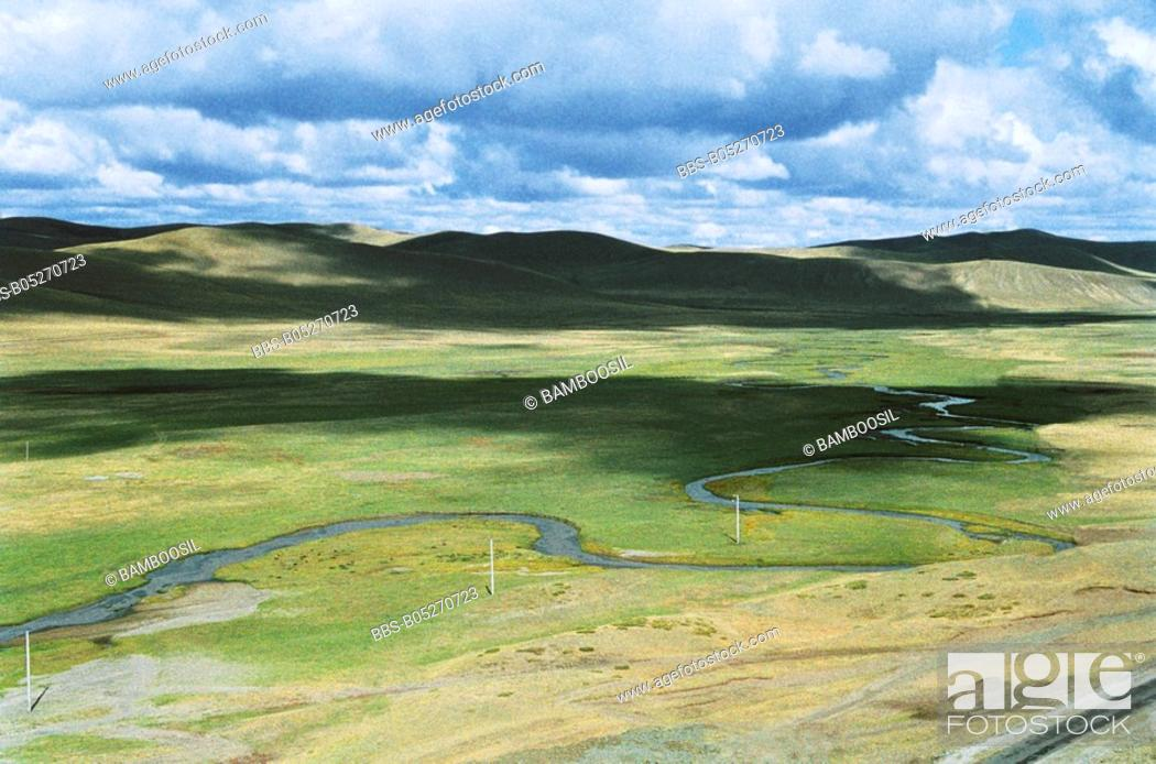 Imagen: The scenery of Gonggeer Prairie, Keshiketengqi, Chifeng City Inner Mongolia Autonomous Region of People's Republic of China.