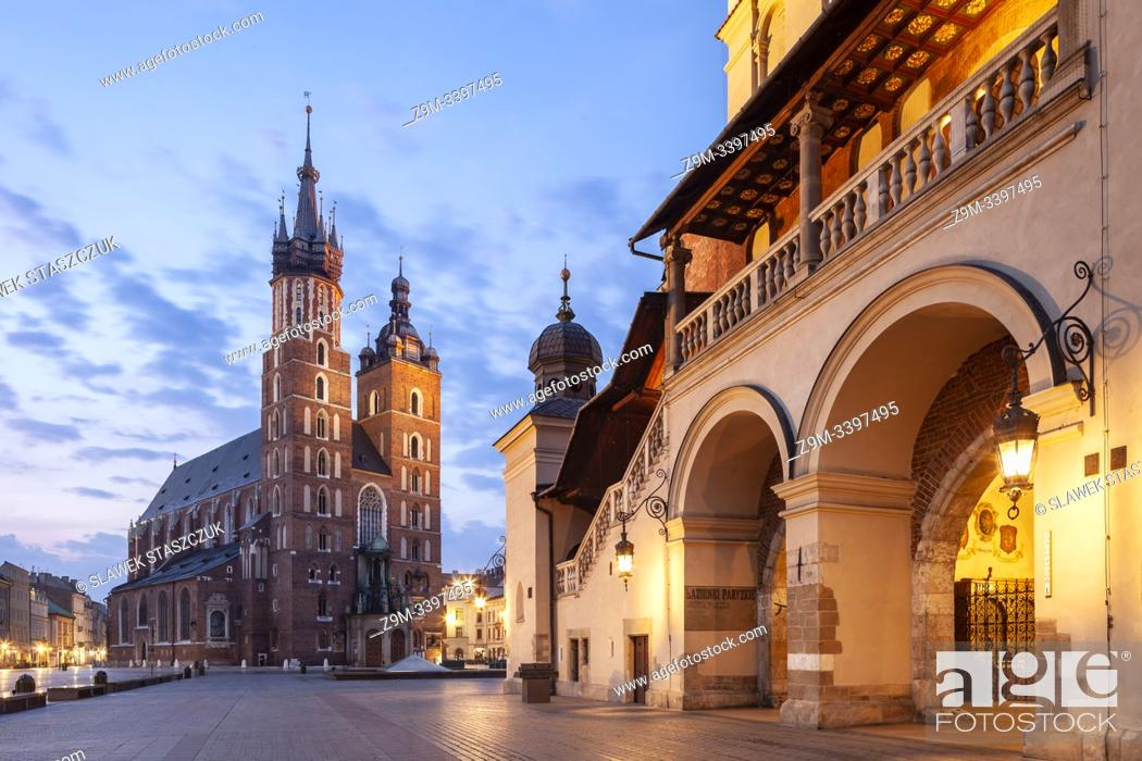 Stock Photo: Dawn at the Cloth Hall on main market square in Kraków old town, Poland.