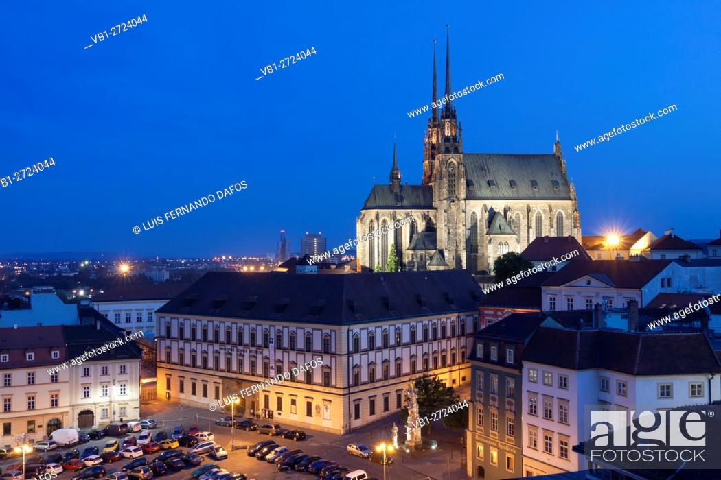 Imagen: Brno overview with illuminated cathedral. Czech Republic.