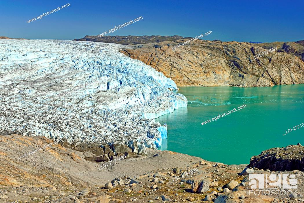 Imagen: Fiord and glacier, near Qaleragdlit, also called Fletanes (Greenland).