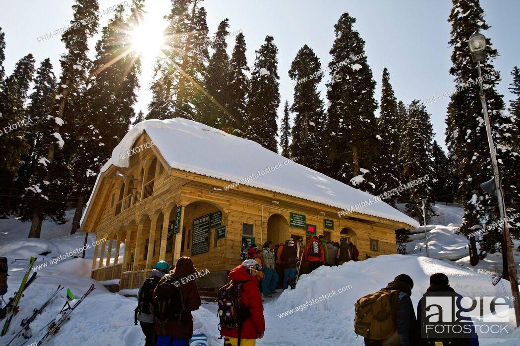 Stock Photo: People at tourist resorts, Kashmir, Jammu And Kashmir, India.