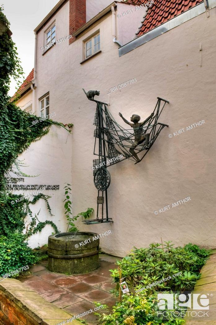 Stock Photo: Sculpture by Ottjen Alldag to commemorate the writer Georg Droste, Schnoorviertel, Schnoor Quarter, Bremen, Germany, Europe.