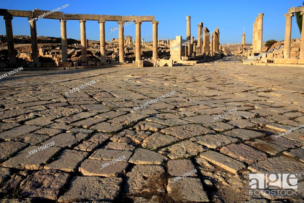 Stock Photo: Oval Forum, ancient Gerasa 2nd-6th century, UNESCO World Heritage site, Jerash, Jordan.