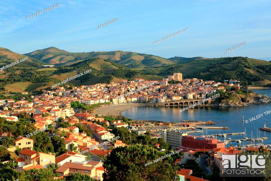 Stock Photo: The city of Banyuls sur mer, Côte Vermeille, Pyrennees orientales, Languedoc Roussillon, France.