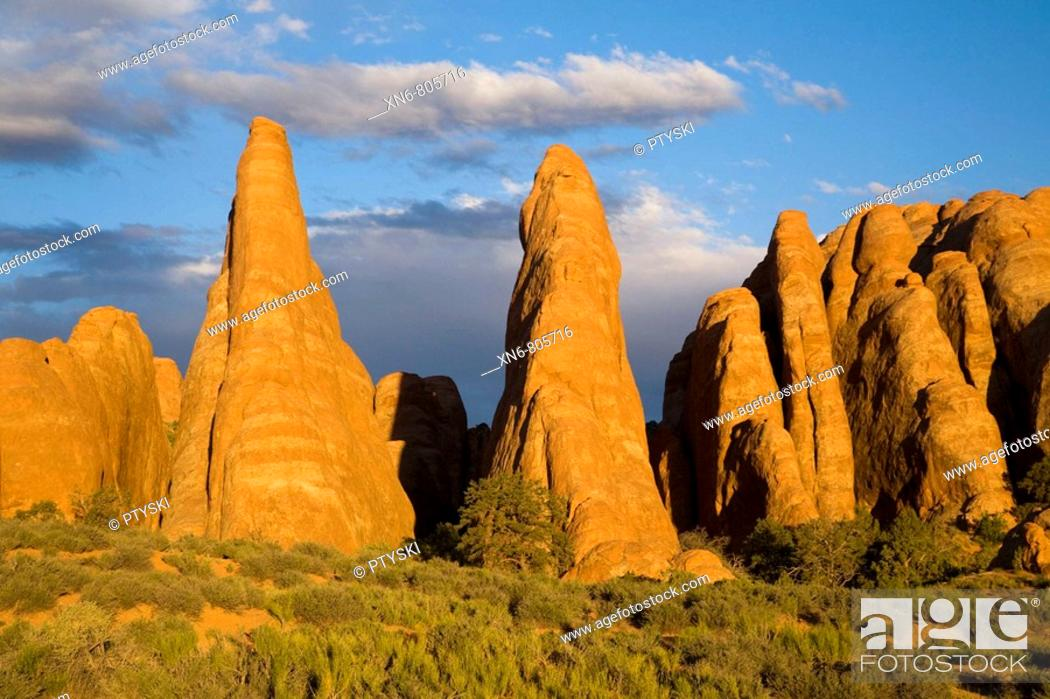 Stock Photo: Geologic forms in Arches National Park, Utah, USA, 2008.