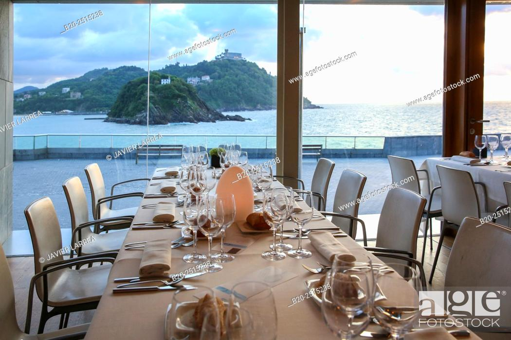 Stock Photo: Bokado restaurant, La Concha Bay, Donostia (San Sebastian), Guipuzcoa, Basque Country, Spain.