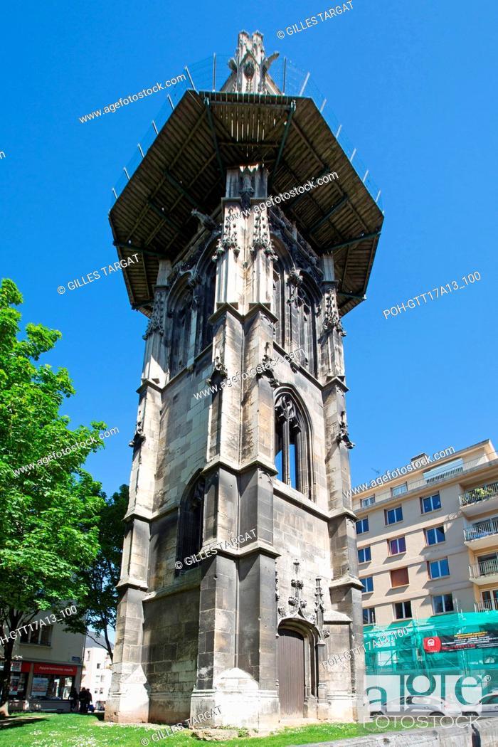 Stock Photo: France, Rouen, Rue aux Ours, Tour Saint-André, vestige of a former Parish Church, Photo Gilles Targat.