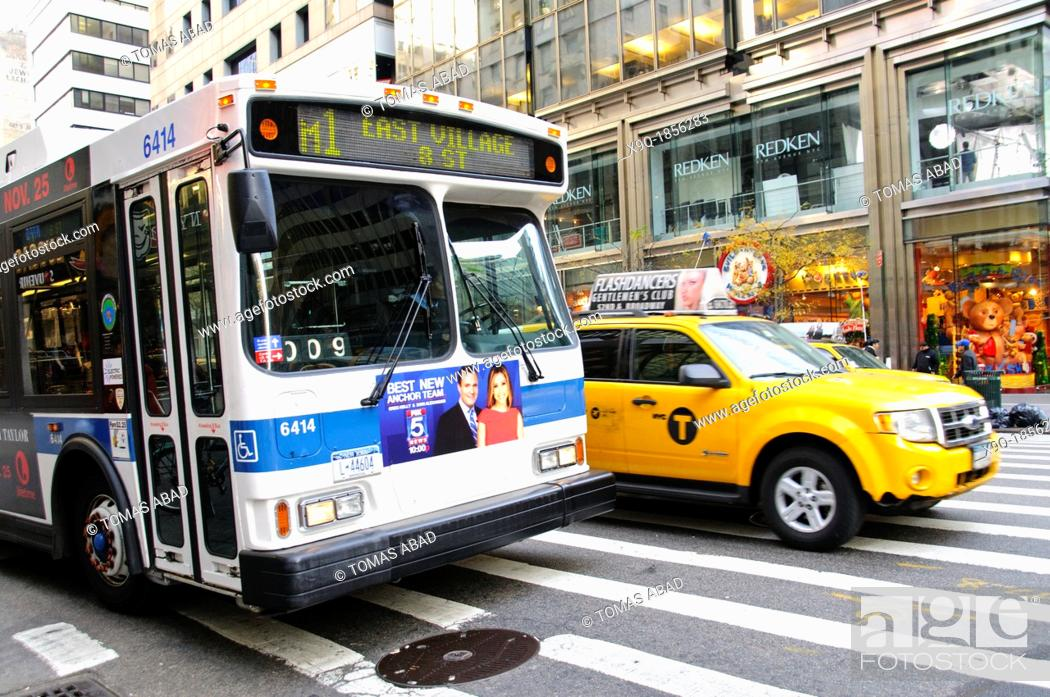Imagen: New York City Public Transportation M1 Bus, Manhattan, New York City, USA.