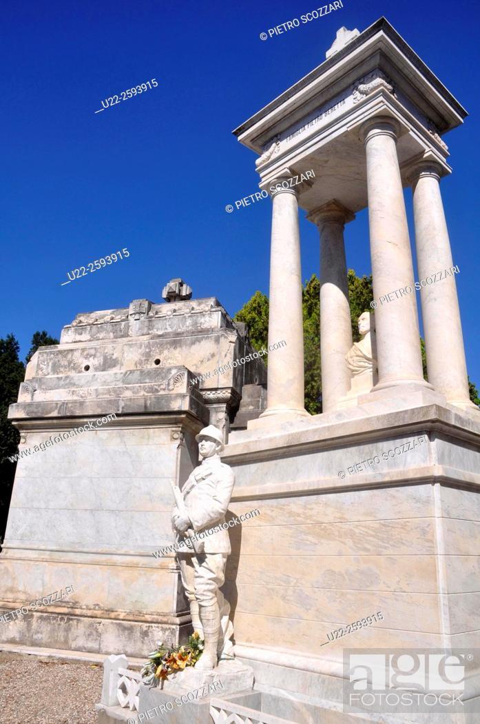 Stock Photo: Italy, Emilia Romagna, Ferrara, marble grave in the.