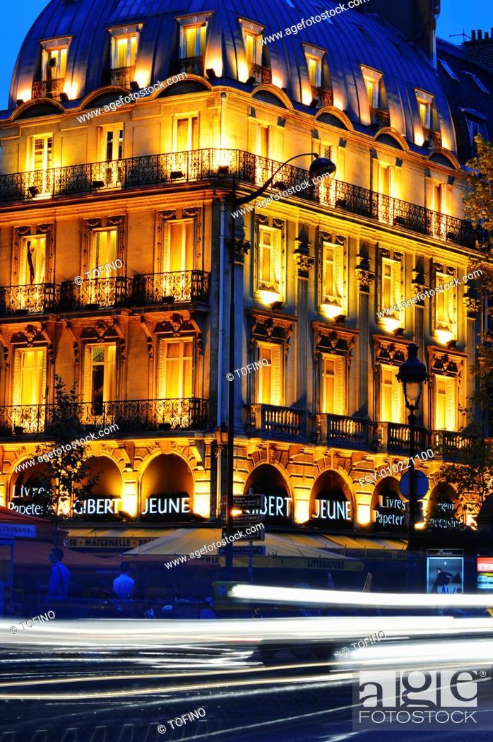 Stock Photo: Paris by night on famous Boulevard Saint-Michel near Latin Quarter.