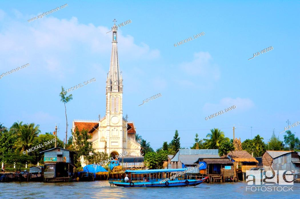 Stock Photo: Vietnam - The South - The Delta of Mekong - Vinh Long.