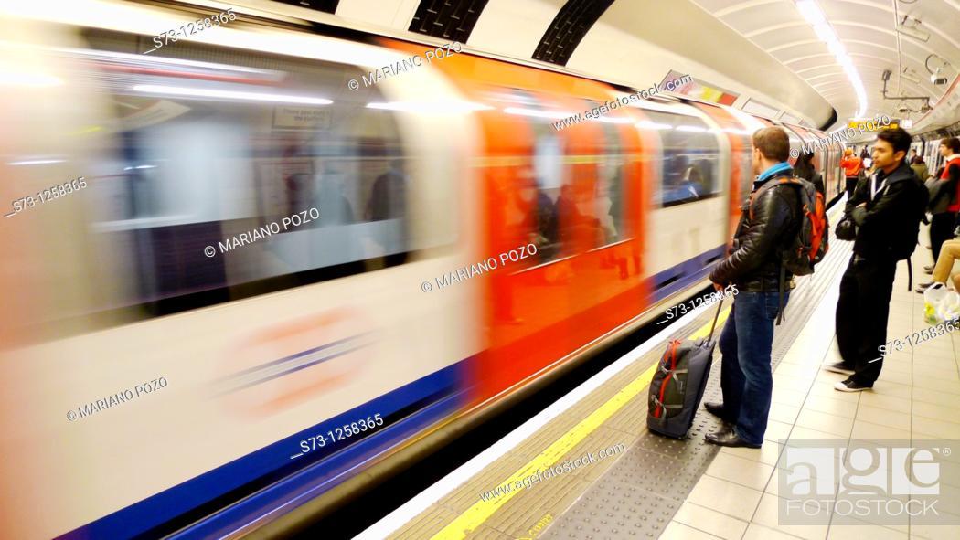 Stock Photo: People waiting in underground. London. England. UK.