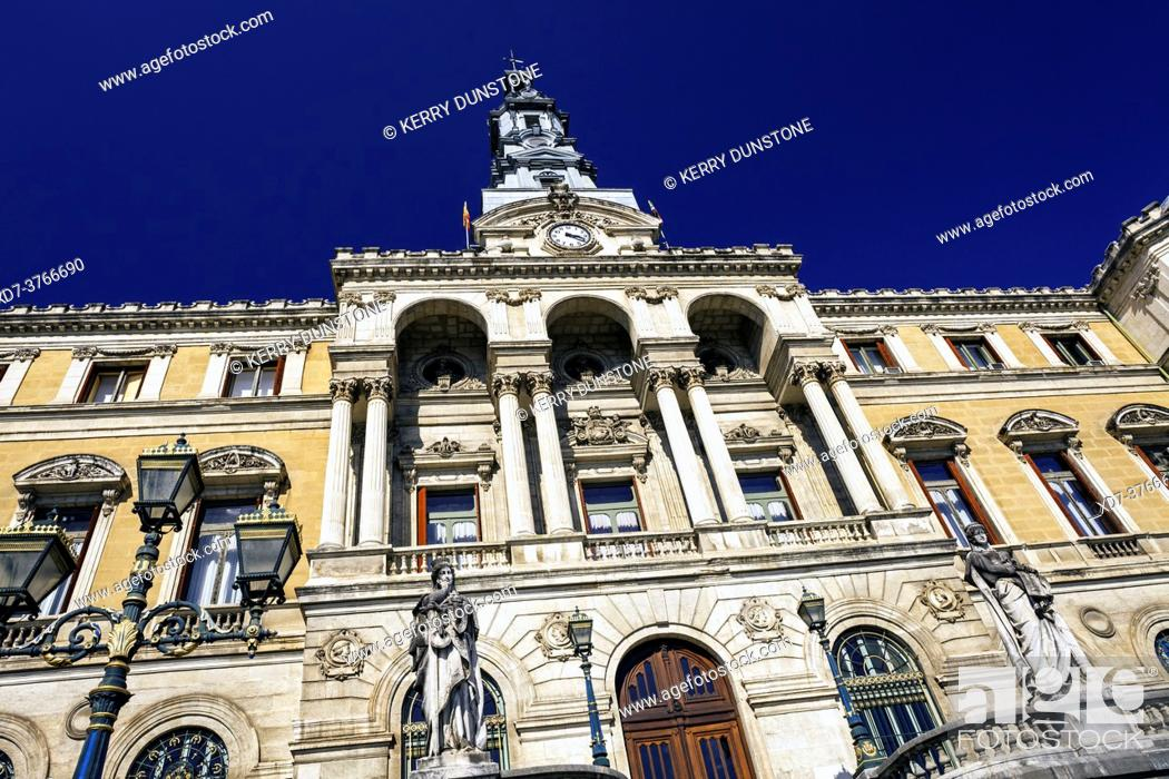 Imagen: Europe, Spain, Basque Country, Bilbao City Hall (Bilboko Udaletxea).