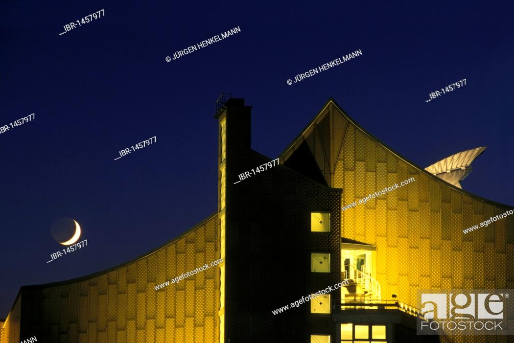 Stock Photo: Philharmonie philharmonic hall, home of the Berliner Philharmoniker orchestra, architecture by Hans Scharoun, Tiergarten district, Berlin, Germany, Europe.