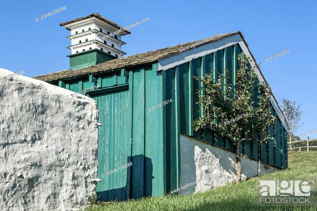 Stock Photo: Barn with birdbox, Chester County, Pennsylvania, USA.