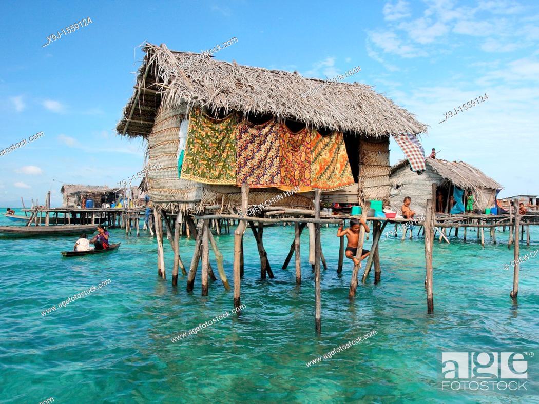 Stock Photo: Scene of Bajao stilt village, Omada island, Semporna, Sabah, malaysia, borneo.