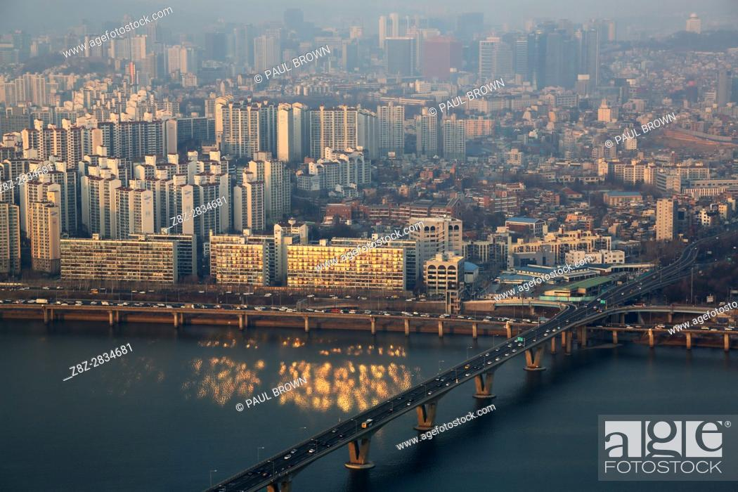 Stock Photo: General view of the Seoul city skyline at dusk in Seoul, Korea.