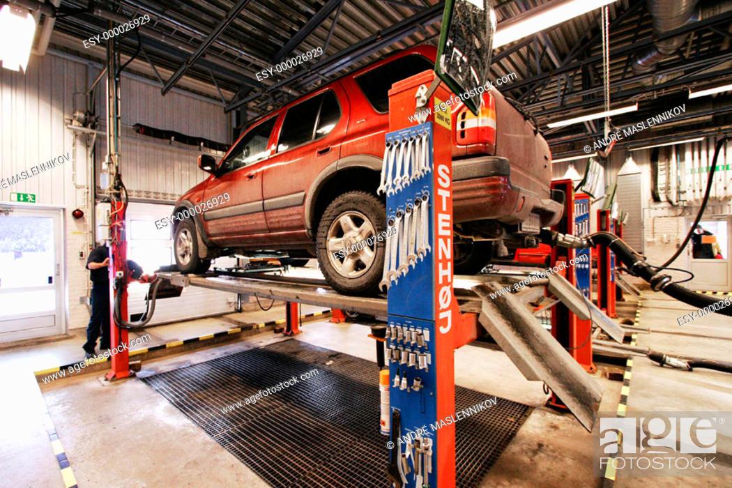 Stock Photo: Car testing (Opel Frontera). Sweden.