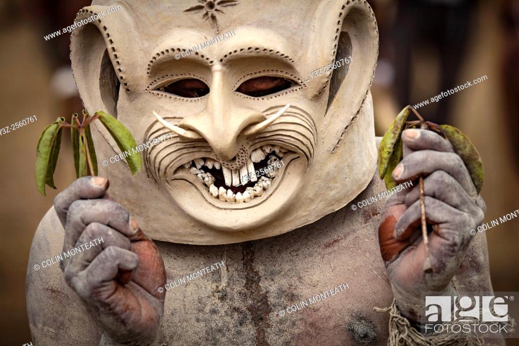 Imagen: Mudman, Goroka festival, 140 ethnic tribes come together for three day Sing sing, Goroka, Eastern Highlands, Papua New Guinea.