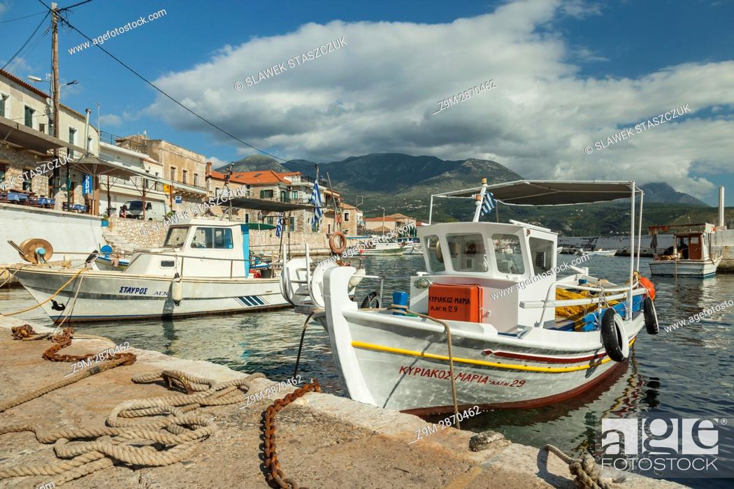 Imagen: Marina in Agios Nikolaos seaside village in Messenia, Greece.