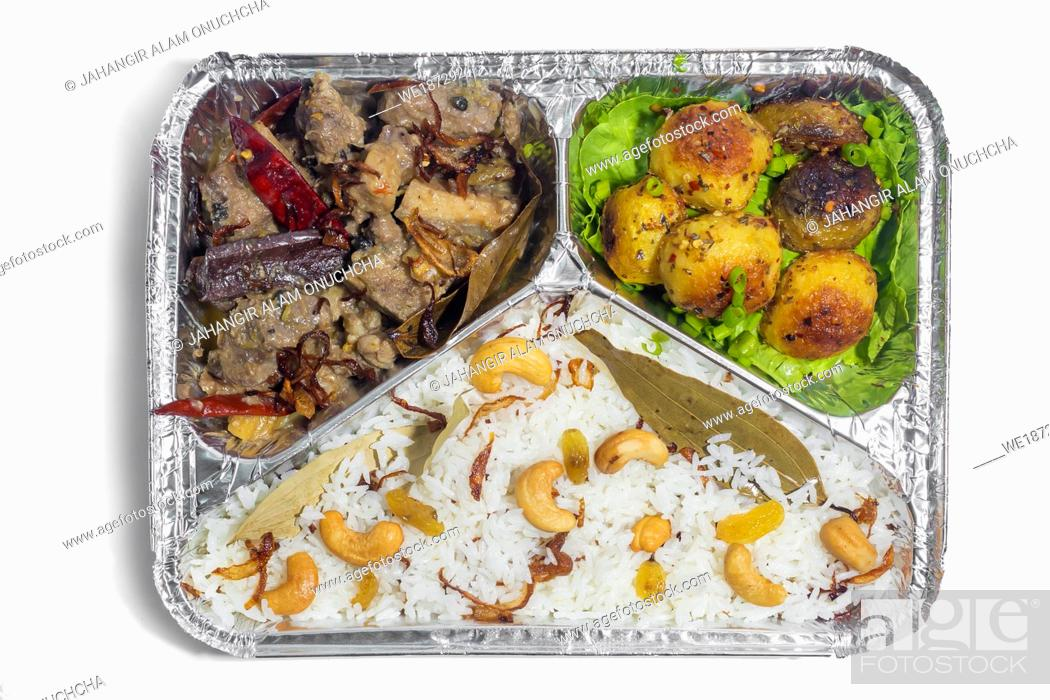 Stock Photo: The Food Warmer Aluminum Foil Rectangular Disposable Parcel lunch box. Thai and Chinese style meal take away delivery. 450ML 3 parts Foil Container lunch food.