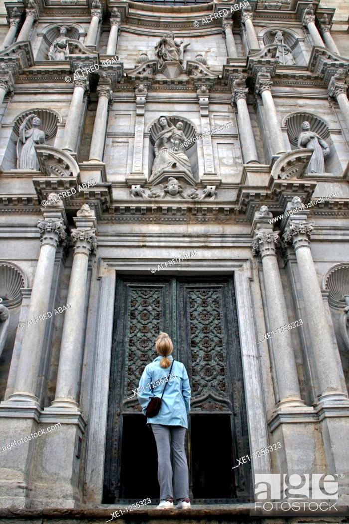 Stock Photo: Neoclassical facade from the St Maria Cathedral, Girona, Catalonia, Spain.