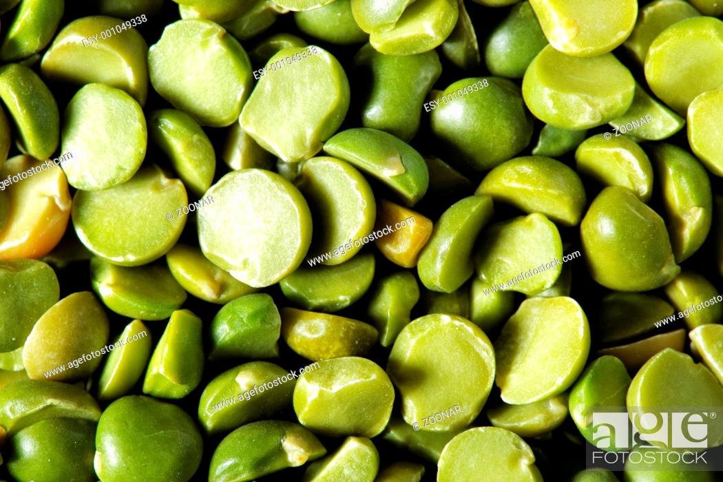 Stock Photo: Dry green peas.