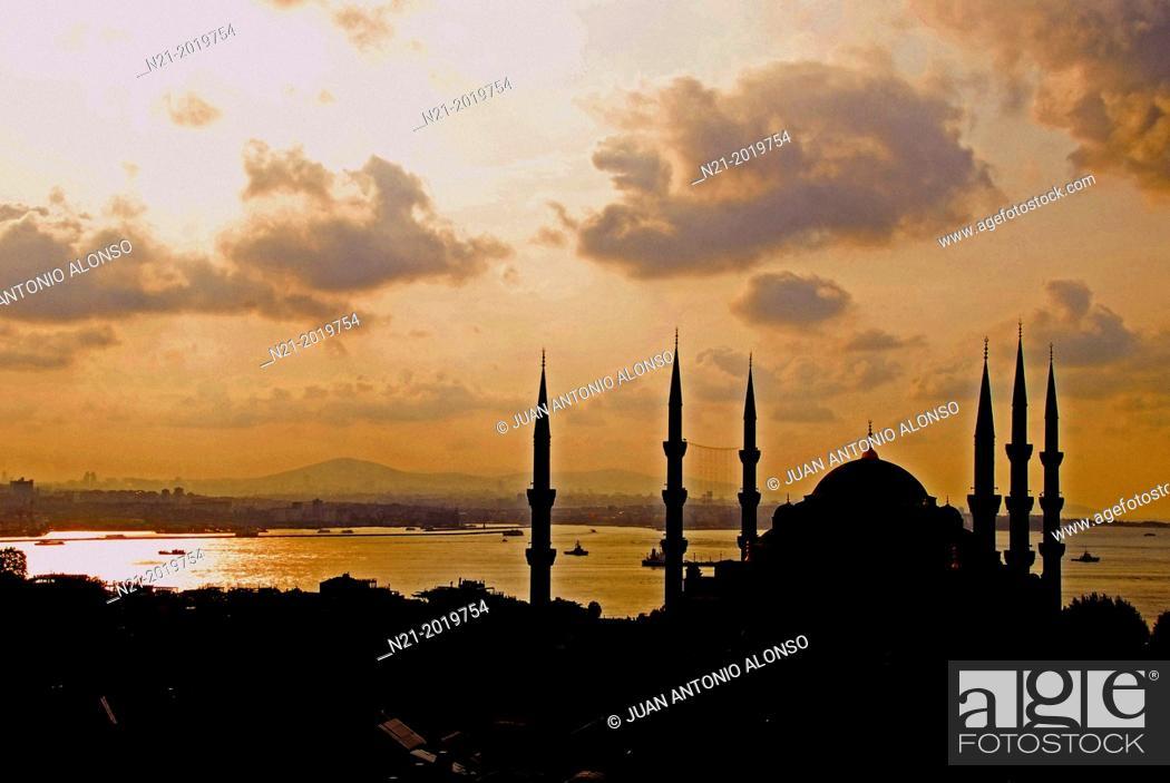 Stock Photo: Sultanahmet Camii, Blue Mosque, Istanbul, Turkey.