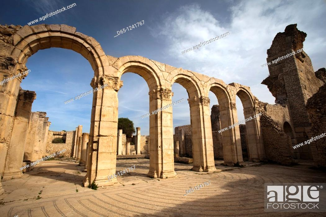 Stock Photo: Tunisia, Central Western Tunisia, Makthar, ruins of the Roman-era city of Mactaris, public baths.