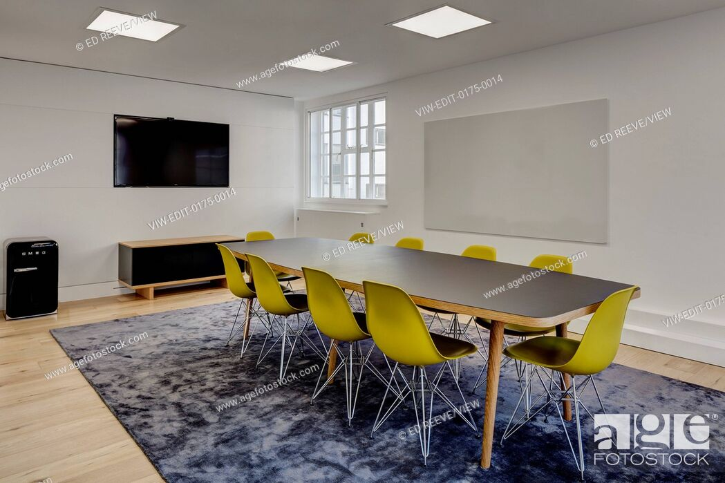 Imagen: Meeting room. Alfred Mews Offices, London, United Kingdom. Architect: Cove Burgess Architects, 2016.