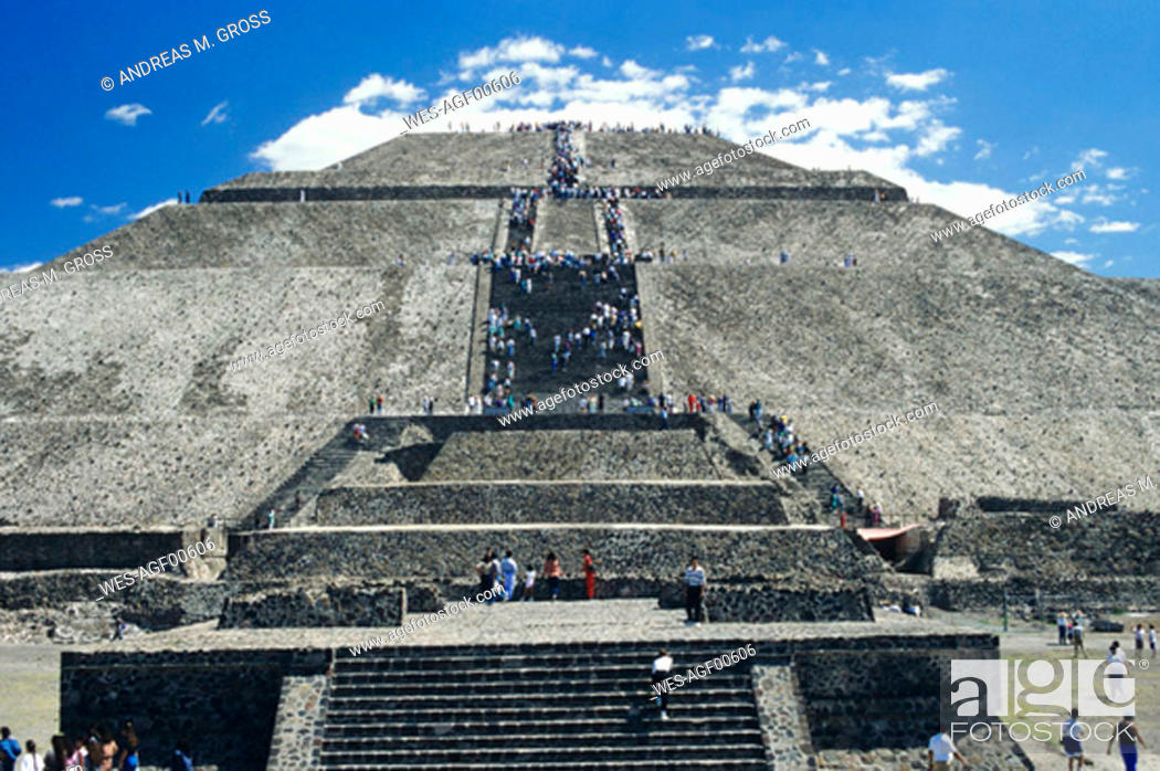 Stock Photo: Mexico, Teotihuacan, pyramid of the sun.
