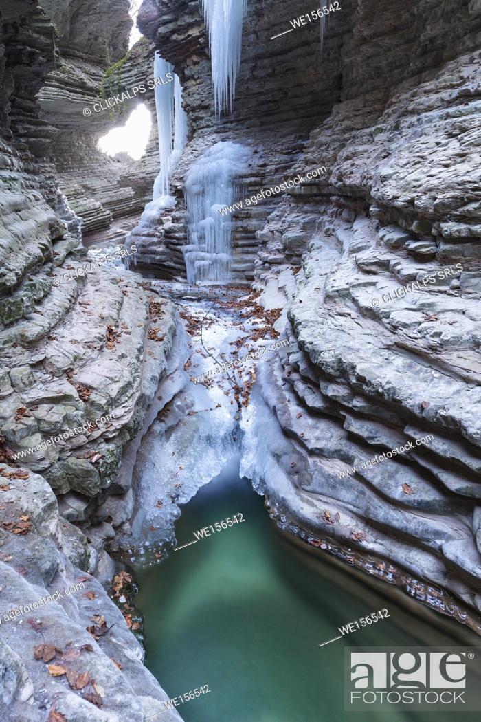 Stock Photo: Europe, Italy, Veneto, Belluno. The gorge of Brent de l'art in winter, Sant'Antonio di Tortal, municipality of Trichiana.