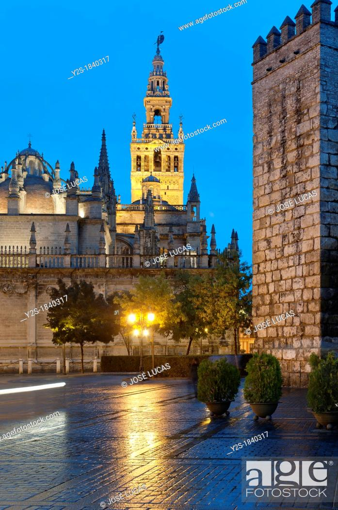 Stock Photo: Cathedral Giralda and Royal Alcazar, Seville, Region of Andalusia, Spain, Europe.