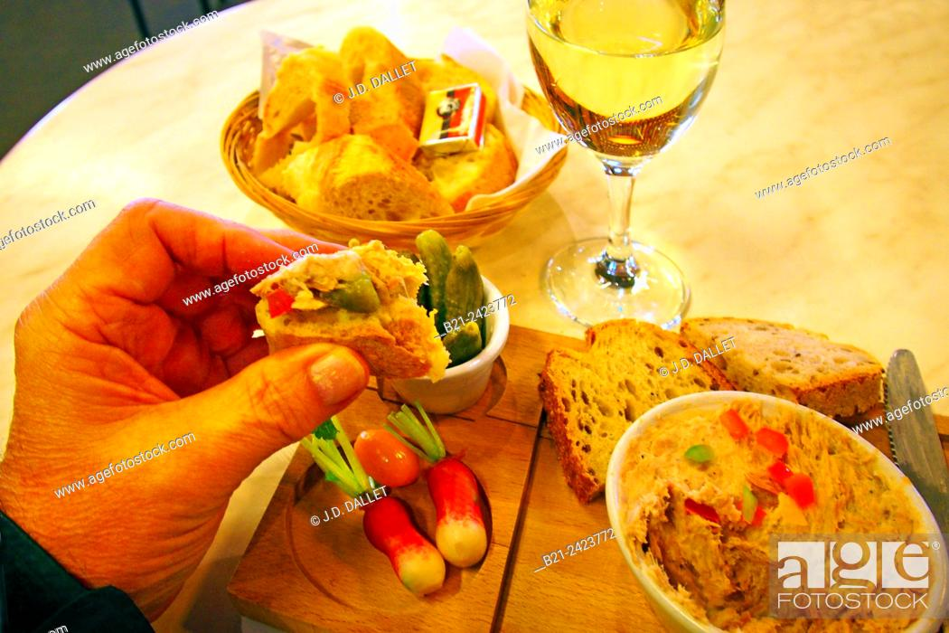 Stock Photo: Breakfast with potted meat and white 'vin moelleux' at Chez Jean Mi at the Marché des Capucins, Bordeaux, Gironde, Aquitaine, France.