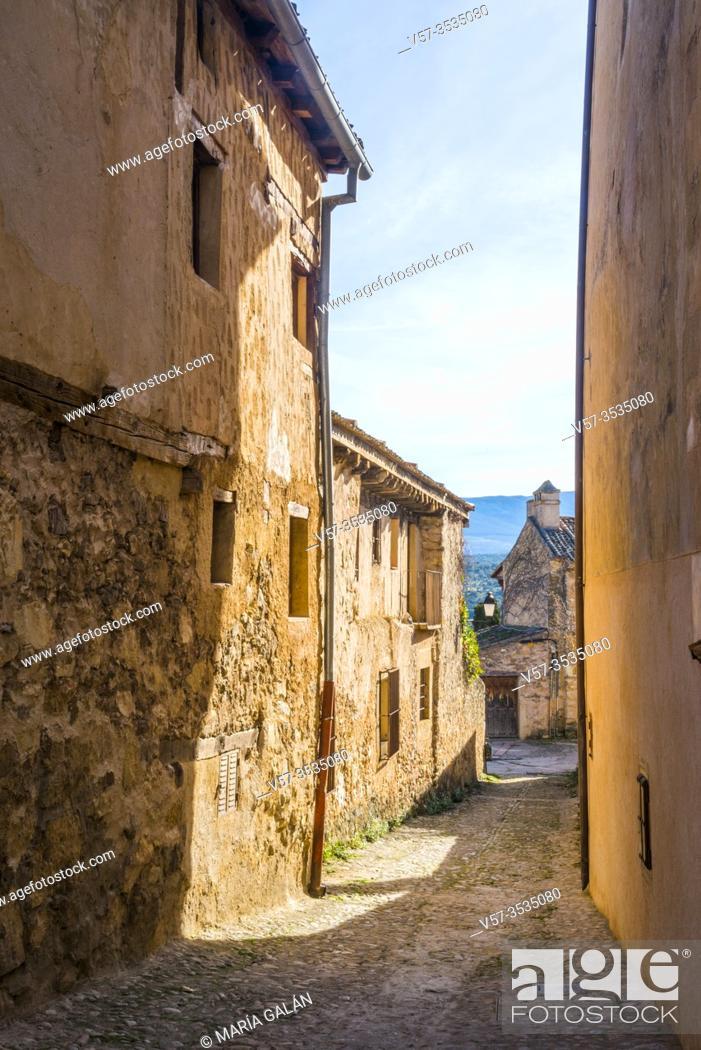 Stock Photo: Street. Pedraza, Segovia province, Castilla Leon, Spain.