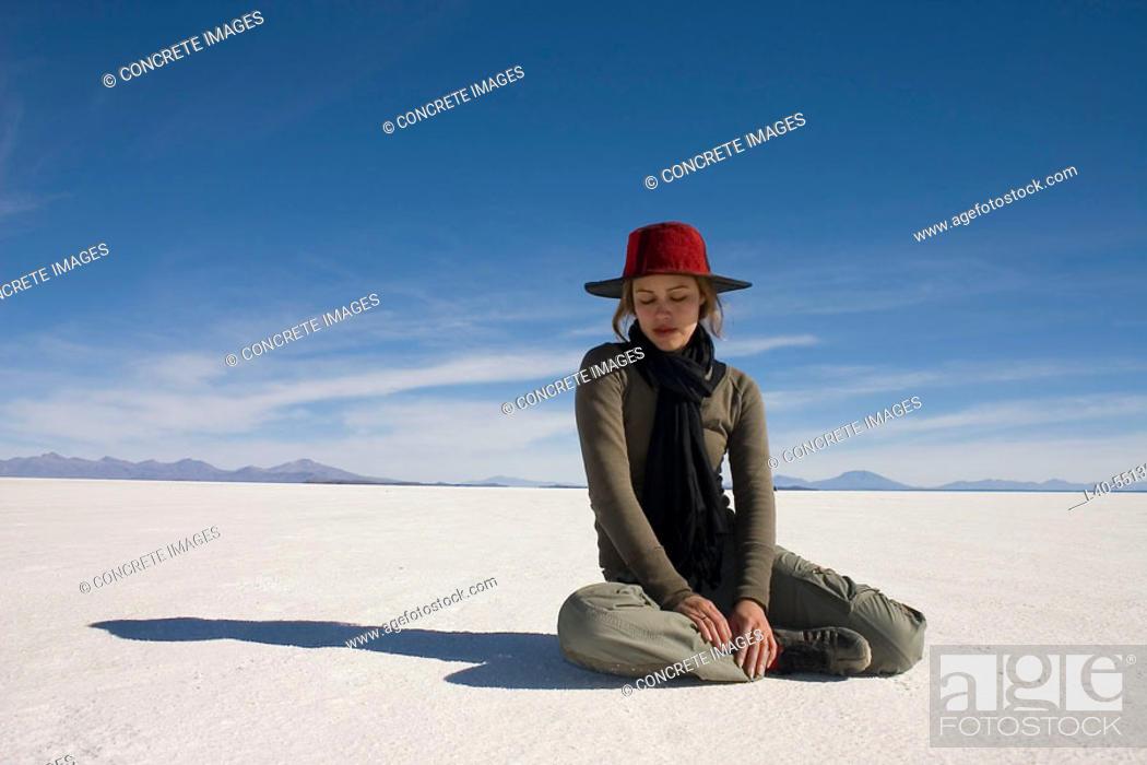 Stock Photo: Isla del Pescado. Salar de Uyuni (salt desert at 4000m.), Bolivia.